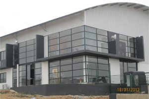 BEFORE-silver-reflective-20%--78%-heat-reduction--83%-glare-reduction--99%-uv-reduction--100%-privacy